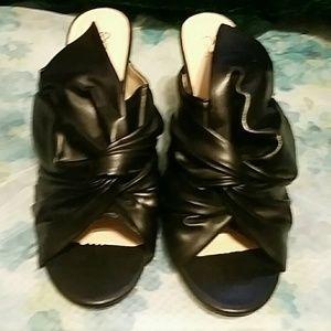 Black Pleated Heels